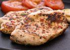 אוכלים, מתכונים בשריים טעים ובריא: מתכון לסטייק חזה הודו עם קישואים