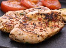 טעים ובריא: מתכון לסטייק חזה הודו עם קישואים