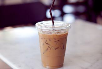 לשבור את השרב: מתכון לאייס קפה קר