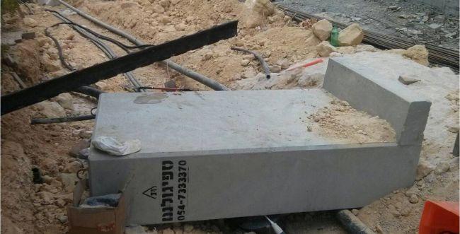 פועל פלסטיני נמחץ למוות ביישוב דולב