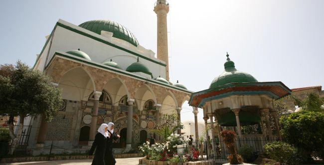 """המשטרה ביקשה להרחיק תושב פ""""ת ממסגדים"""