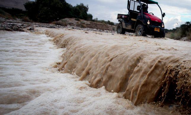 מרהיב: צפו בשטפונות בנחלי מדבר יהודה