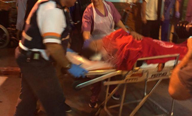 """""""הציצית הוכתמה בדם"""": 4 פצועים בפיגוע דקירה בקריית גת"""
