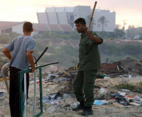 עשור לגירוש: אדמות גוש קטיף יימסרו לאנשי חמאס