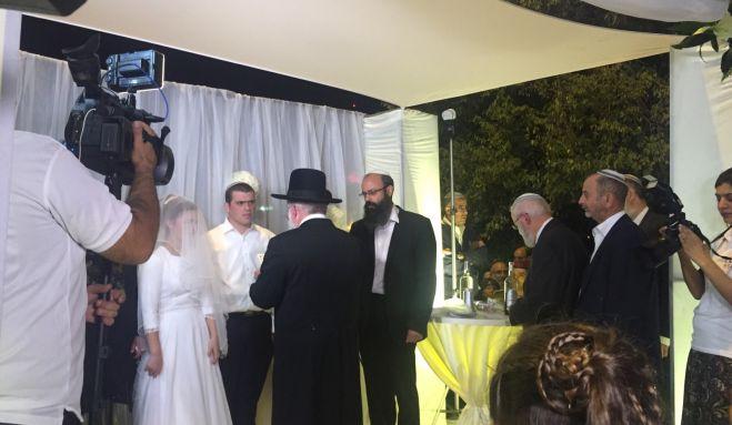 חדשות המגזר, חדשות קורה עכשיו במגזר בשידור חי: החתונה של אריאל ושרה-תחיה