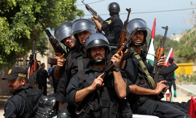 """הפתרון של צה""""ל לטרור: לחמש את הפלסטינים"""