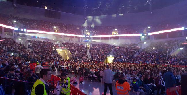 אלפי משתתפים סרוגים הדליקו את ירושלים