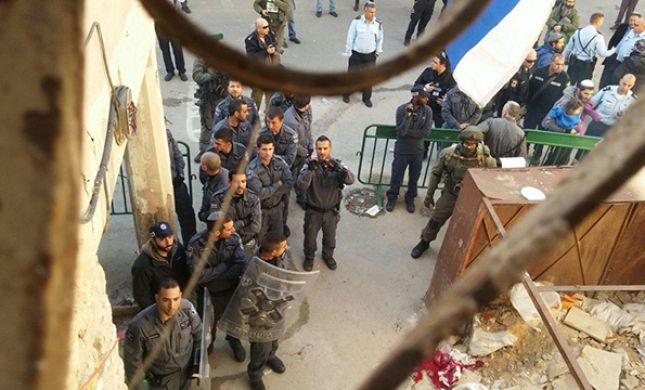 חרפה: בהוראת יעלון - פונו הבתים בחברון