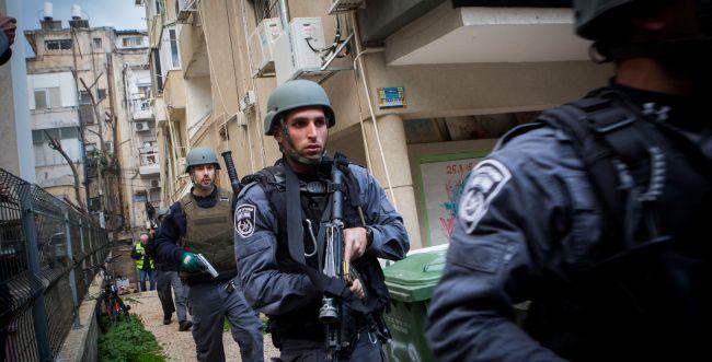 לפיד: לאסוף את הנשק הלא-חוקי במגזר הערבי