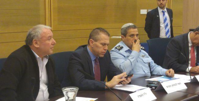 """המפכ""""ל: הערבים מעורבים פי 3 במקרי רצח"""
