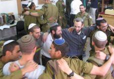 """""""טוב יהיה אם הרבנים יניחו לצבא להתנהל"""""""