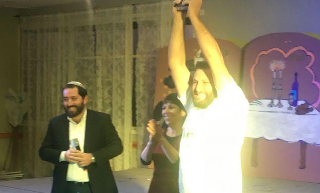 מרגש: 20 יהודים חדשים חגגו מסיבת סידור
