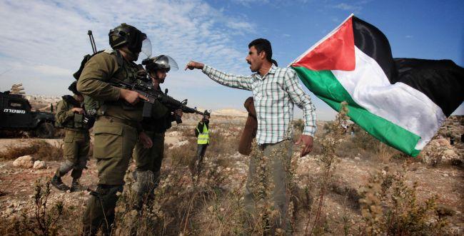 לוחמים ששרפו דגל פלסטיני נשפטו למאסר