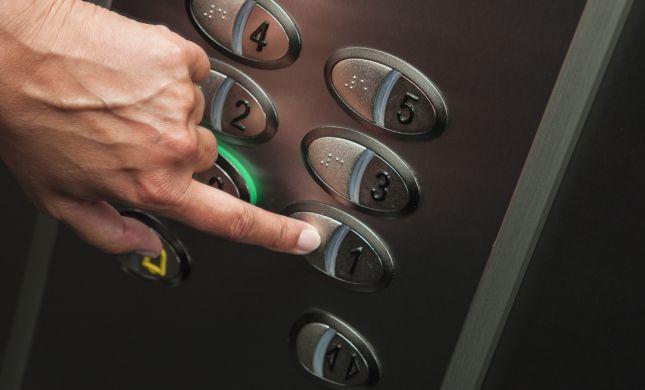 מחדל 'מעליות השבת': פועלות ללא אישור תקף