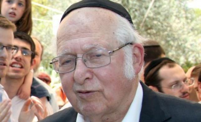 שנה בלעדיו: 7 סיפורים קצרים על הרב ליכטנשטיין