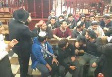 נוער ממרוקו שר 'עם ישראל חי' בפולין. צפו