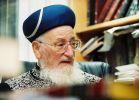 """בשבילך הרב מרדכי אליהו זצ""""ל: מה למדנו מהשואה"""