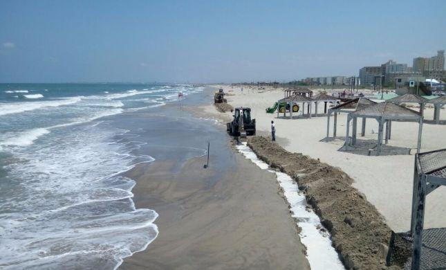 בשל תקלה הנפט נשפך לים; חוף הרחצה נסגר