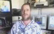 העיתונאי והסופר ברי חמיש נמצא בביתו ללא רוח חיים