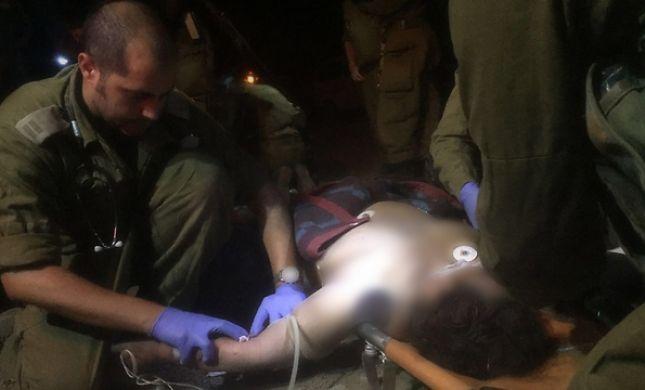 """צפו: חובשים של צה""""ל טיפלו ב-8 סורים פצועים"""