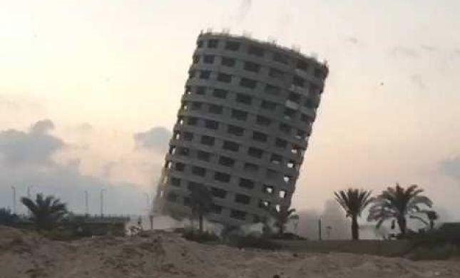 צפו: אחרי 16 שנה, המלון הריק בעכו פוצץ
