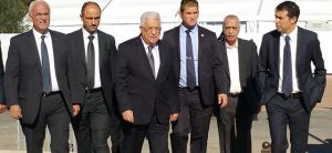 חדשות, חדשות בארץ הלווית פרס: ויכוח על מקום ישיבתו של אבו מאזן