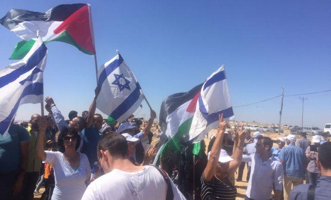 """סיור הח""""כים הותקף בידי פעילי שמאל ופלסטינים"""