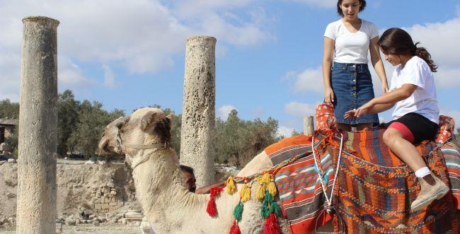 אלפי בני אדם גדשו את אתרי התיירות בשומרון