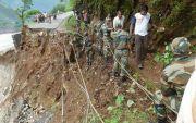 אסון בהודו: אריאל נפל מצוק לעיני אשתו ונהרג
