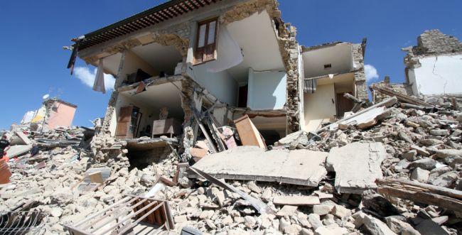 בגלל רעידת האדמה באיטליה: אזהרת צונאמי