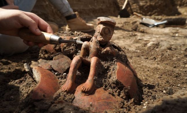 """בן 3800 שנה: """"ה""""אדם המהרהר"""" נחשף ביהוד"""