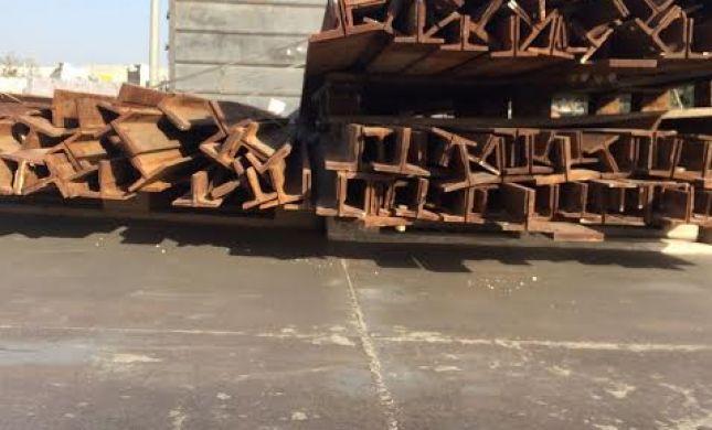 סוכלה הברחה של מוטות ברזל המיועדות לבניית מנהרות