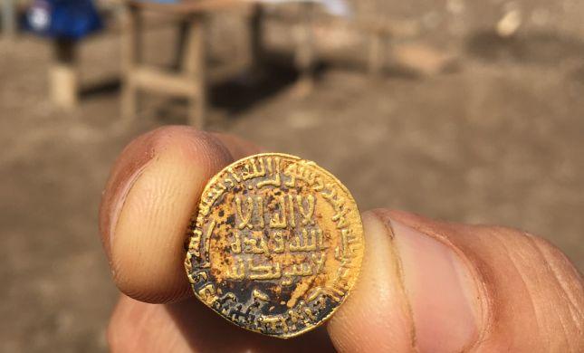בני נוער גילו מטבעות זהב מלפני כ-1,200 שנה