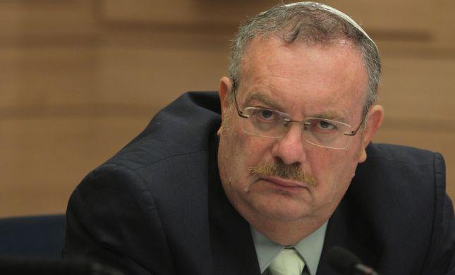 הרב הרשקוביץ: הבית נפגע אלפי הספרים ניצלו