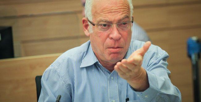 אריאל לרב קרים: ״מדובר בניסיון נוסף לסתום פיות של רבנים״