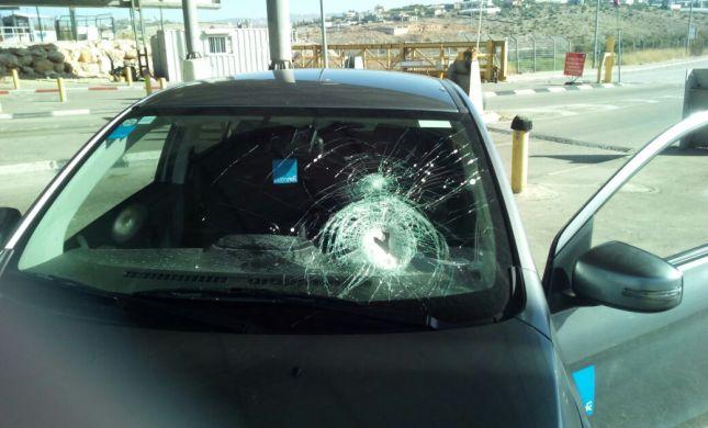 """ערבים ניסו לרצוח קצין צה""""ל בכביש ליד נתניה"""