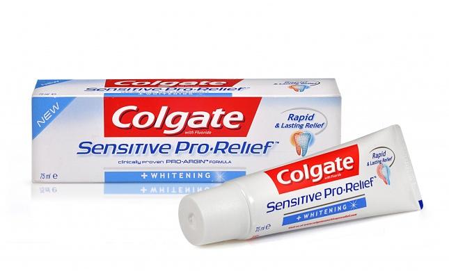 משחת שיניים המסייעת בהלבנה ובטיפול מיידי בשיניים רגישות