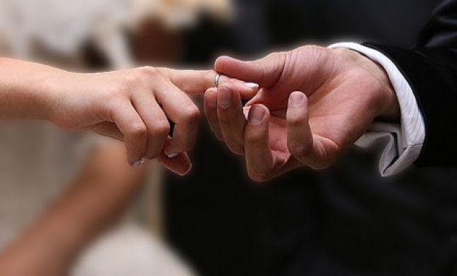 'המקובל' שכנע, תלמידת המדרשה נישאה לגבר נשוי