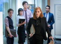 מיס סלואן – מותחן פוליטי מרתק • ביקורת סרטים
