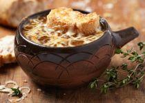להקדים את הגשם: מתכון למרק בצל
