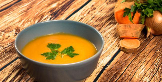 כתום עולה: מתכון למרק בטטה מוקרם