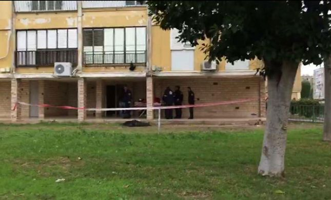חשד: רצחה את בנה וקפצה מקומה שישית