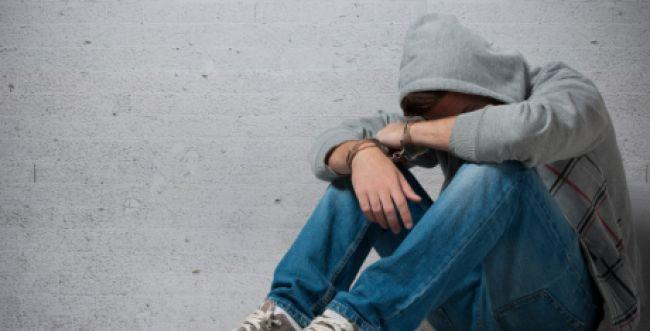 """הלם ביישוב של מנהל בי""""ס שנעצר בחשד לעבירות מין"""