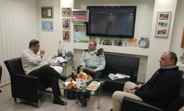 """השירות הלאומי מחזק את קשרי העבודה מול צה""""ל"""