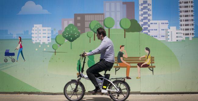 הכנסת אישרה קנסות לרוכבי אופניים חשמליים