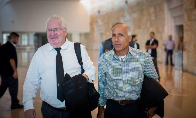 מרדכי ואנונו הורשע במגע עם אזרחים זרים