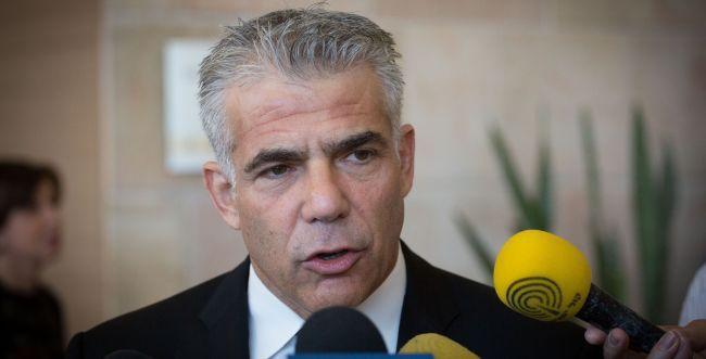 עיתונאי 'ישראל היום' מונה לדוברו של יאיר לפיד
