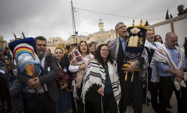 'נשות הכותל יצאו למאבק פוליטי על גב המקום הקדוש