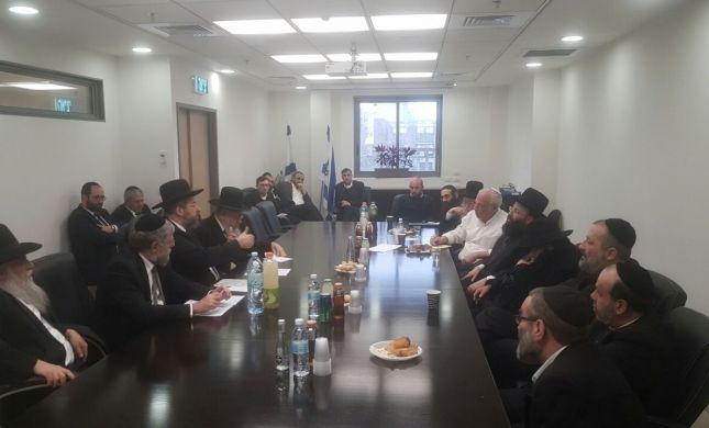 השרים נפגשו עם הרבנים: מתווה הכותל יבוטל
