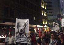 כעת באוסטרליה: אנטישמים מפגינים נגד ביקור נתניהו